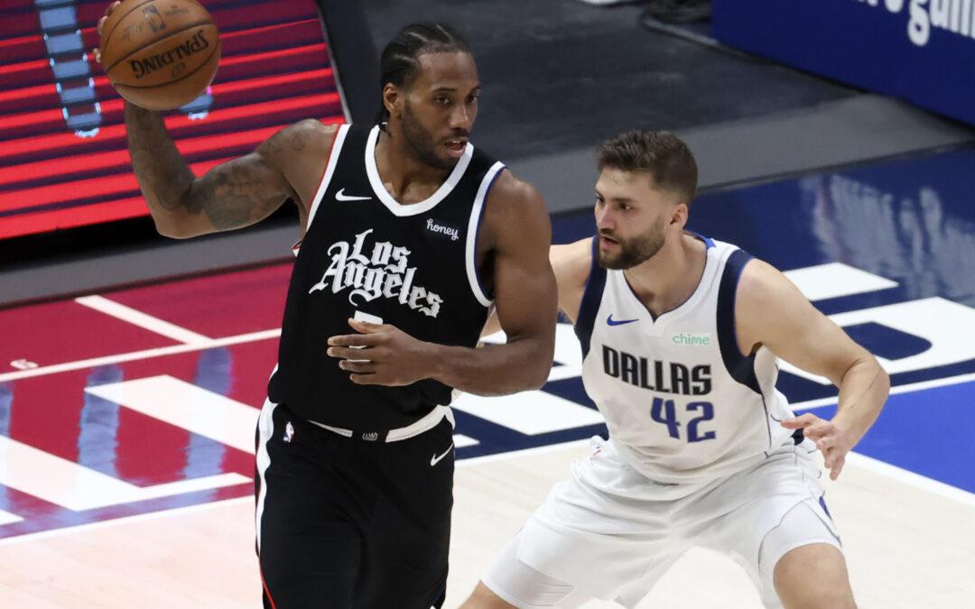 Mavericks shine on the road again to take 3-2 lead